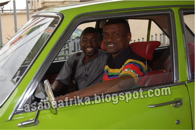Africa's leading Fashion icon, MUDI takes a ride with asabeafrika inside Nigeria's oldest car!