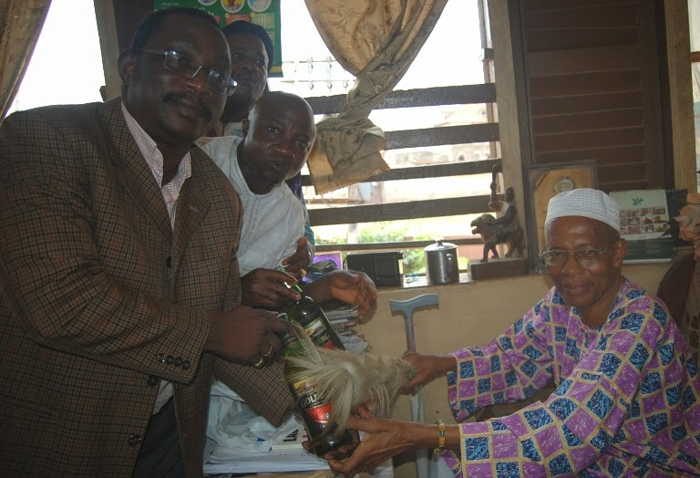 Goldberg visits Olota of Ota, Becomes the first Beer Brand to Honour the Monarch